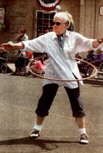Eleanore hula hoop